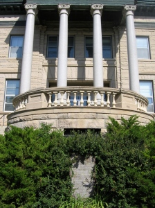 This is the Cascade County courthouse in Great Falls, MT. What is that large monument out in front?